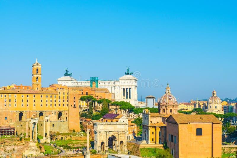 Opinión sobre Roman Forum en Roma, Italia de la colina de Palatine imagen de archivo