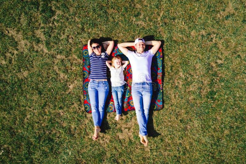 Opinión superior del retrato de la familia fotografía de archivo libre de regalías