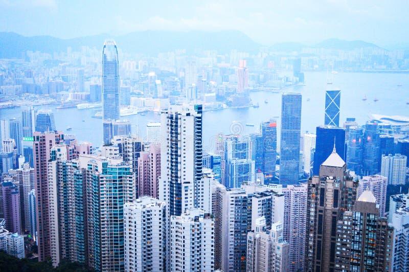 Opinión superior Hong Kong City Skyscrapers y Victoria Harbour fotos de archivo libres de regalías