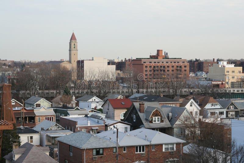 Opinión típica de Brooklyn de la azotea de una construcción de viviendas imagenes de archivo