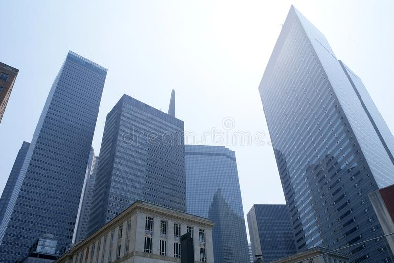 Opinión urbana de los bulidings de la ciudad céntrica de Dallas imágenes de archivo libres de regalías