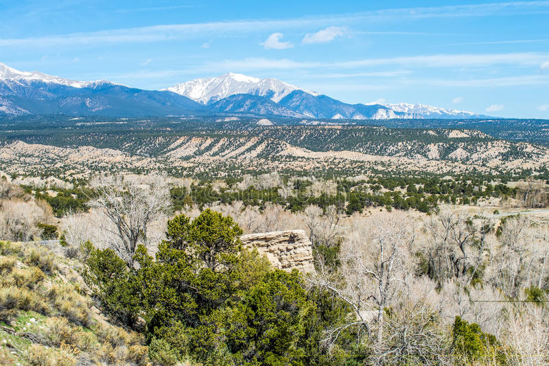 Opiniões da vista das montanhas rochosas de Colorado foto de stock