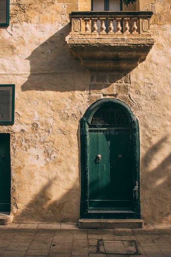 Opini?n de la calle en Mdina, Malta fotos de archivo