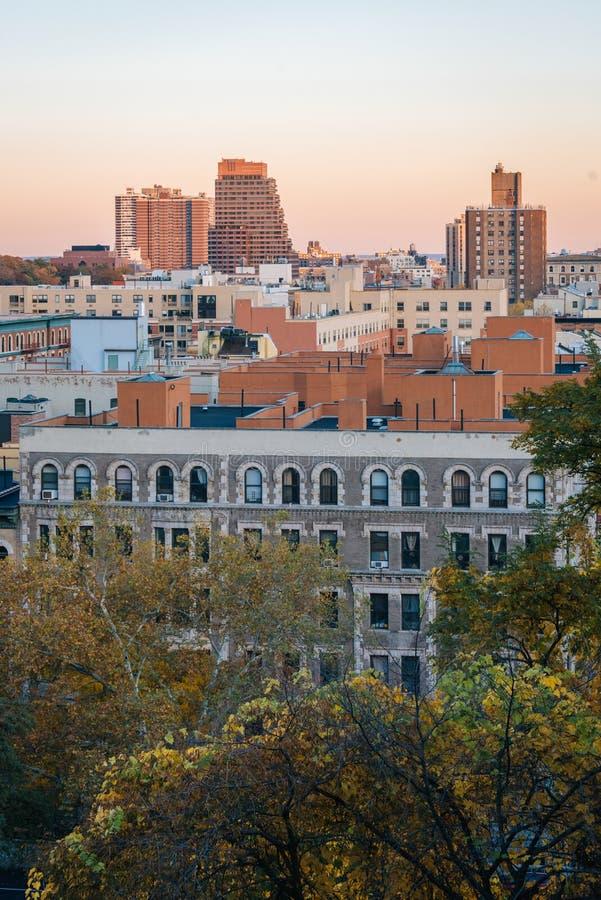 Opini?n de la puesta del sol del oto?o sobre Harlem de Morningside Heights en Manhattan, New York City fotografía de archivo libre de regalías