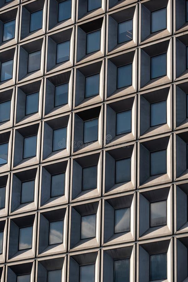Opini?n del primer de rascacielos modernos en el Lower Manhattan financiero New York City del distrito foto de archivo