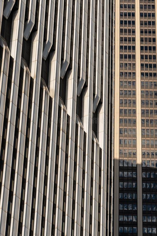 Opini?n del primer de rascacielos modernos en el Lower Manhattan financiero New York City del distrito fotografía de archivo