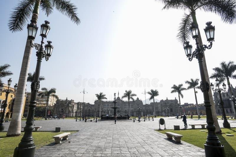 Opini?n el alcalde de la plaza de Lima Per?, ciudad hist?rica fotos de archivo libres de regalías