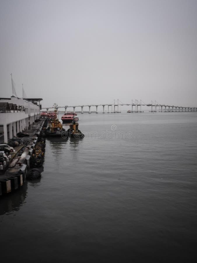 Opini?n Hong Kong-Zhuhai-Macao Bridge de la terminal de transbordadores imagenes de archivo