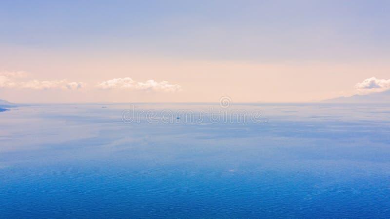 Opini?n a?rea del abej?n del mar imágenes de archivo libres de regalías
