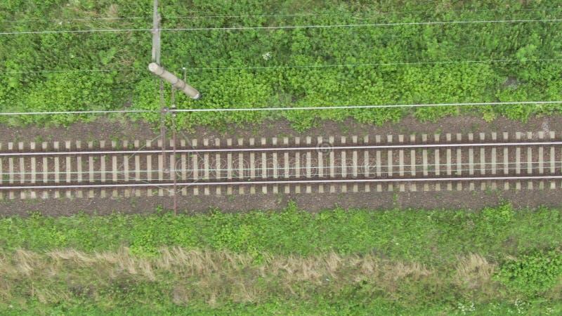 Opini?n sobre l?neas de la pista ferroviaria fotografía de archivo libre de regalías