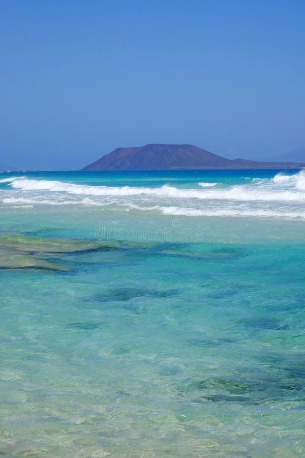 Opini?n sobre la isla Lobos de Corralejo, Fuerteventura foto de archivo