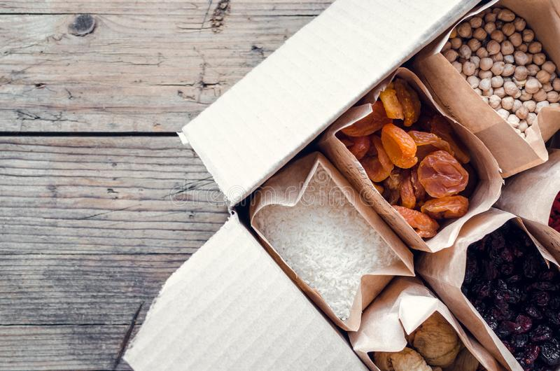 Opini?n superior de la comida in?til del almacenamiento del bolso cero de Eco imágenes de archivo libres de regalías