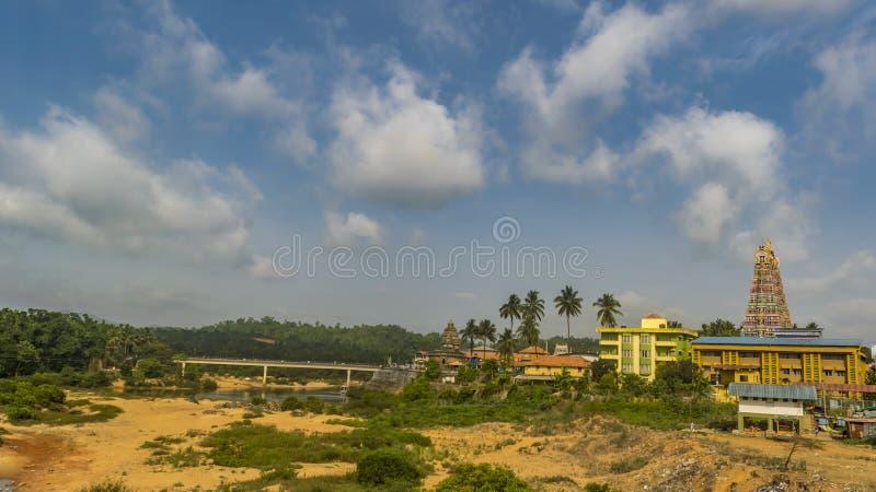 Opini?o da cidade - paisagem do templo de Sringeri fotos de stock royalty free