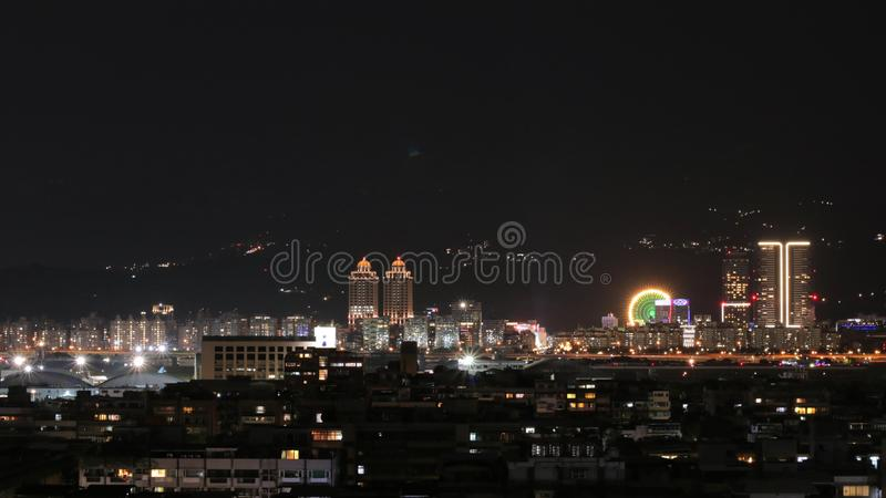Opini?o da noite da cidade de Taipei fotos de stock