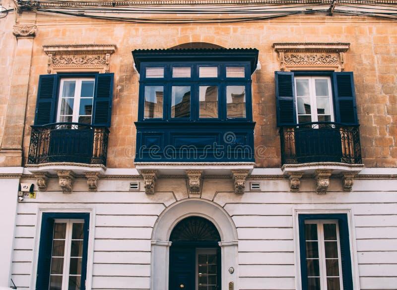 Opini?o da rua em Sliema, Malta imagens de stock royalty free