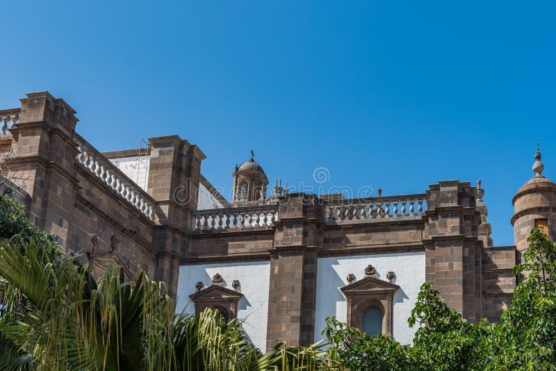 Opini?o da rua Vista da fachada da construção, Las Palmas de Gran Canaria, Espanha Copie o espa?o para o texto imagem de stock