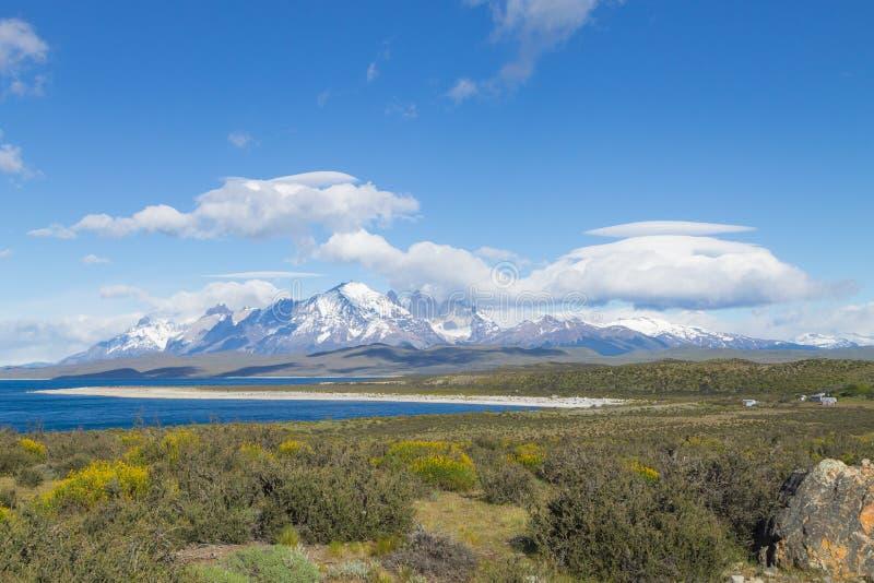 Opini?o do lago Sarmiento, Torres del Paine, o Chile imagem de stock royalty free