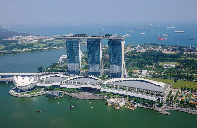 Opini?o a?rea Marina Bay em Singapura imagens de stock