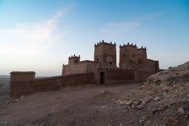 Opini?o surpreendente Kasbah Ait Ben Haddou perto de Ouarzazate nas montanhas de atlas de Marrocos Local do patrim?nio mundial do foto de stock