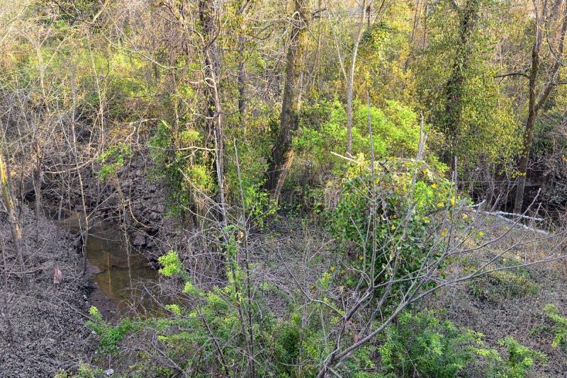 Opiniones de la barrera del aliviadero y de la inundación del dique del metal a proteger contra la inundación por Opryland a lo l imágenes de archivo libres de regalías