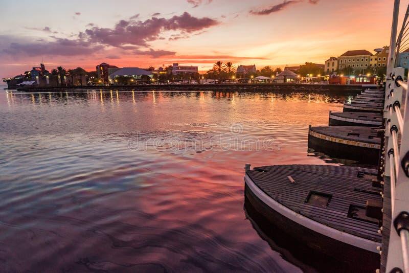 Opiniones de la puesta del sol de Curaçao imágenes de archivo libres de regalías