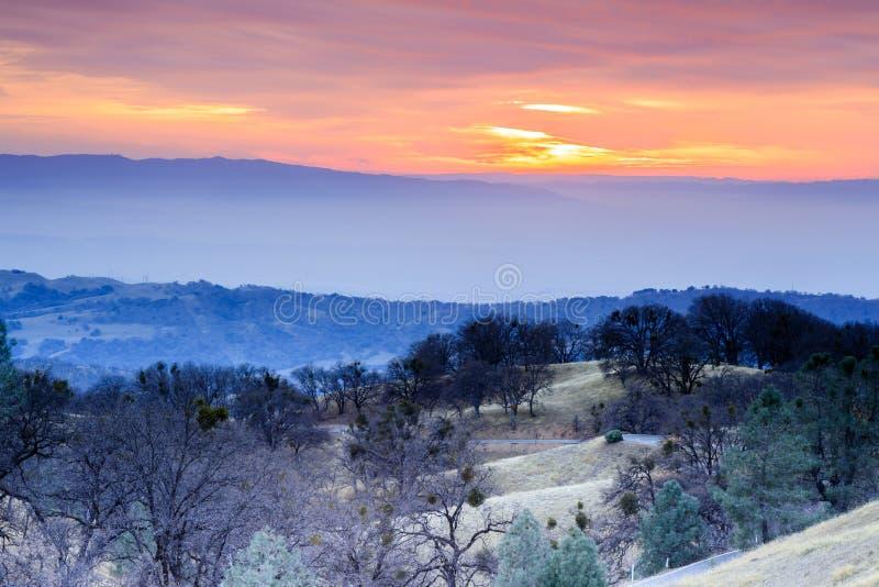Opiniones de la puesta del sol del invierno del soporte Hamilton imagenes de archivo