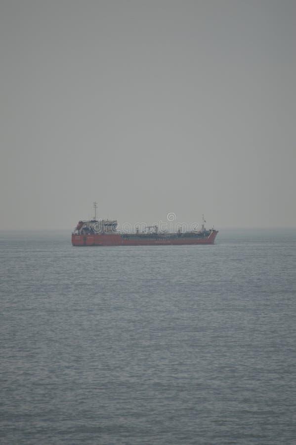 Opiniones del barco del aceite de la costa de Estoril Viaje, naturaleza, paisaje foto de archivo libre de regalías