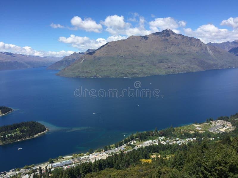 Opiniones del lago fotografía de archivo libre de regalías