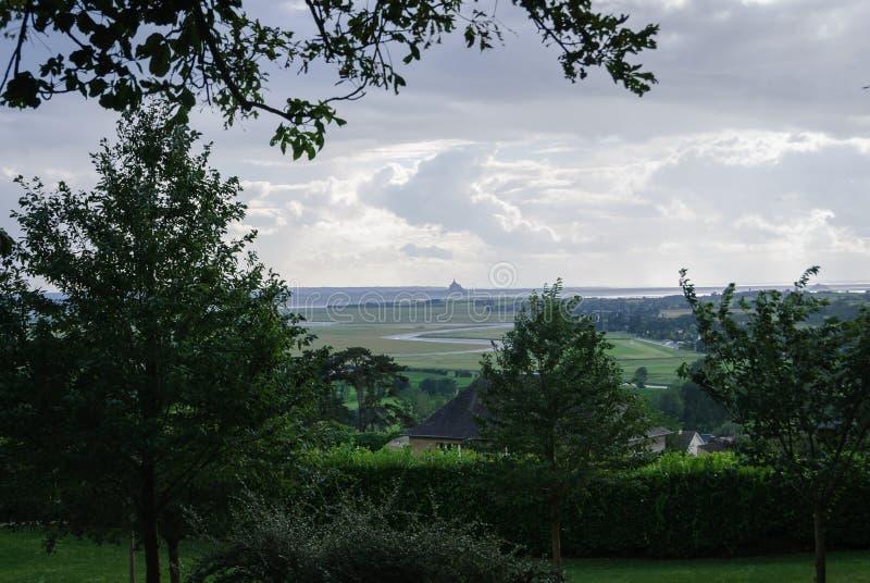 Opiniones Mont Saint Michael del jardín botánico de Avranches fotografía de archivo libre de regalías