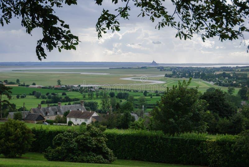 Opiniones Mont Saint Michael del jardín botánico de Avranches imagenes de archivo