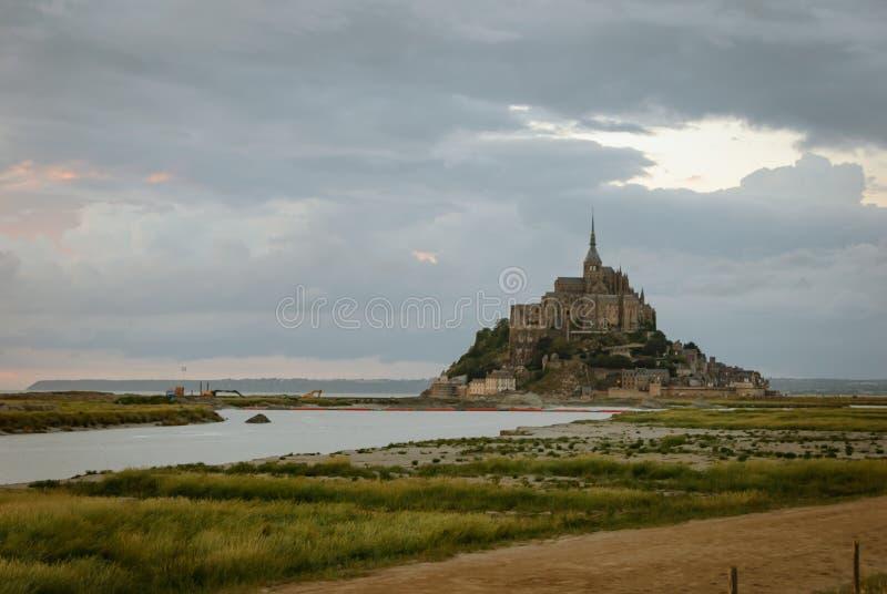 Opiniones Mont Saint Michel francia fotos de archivo libres de regalías