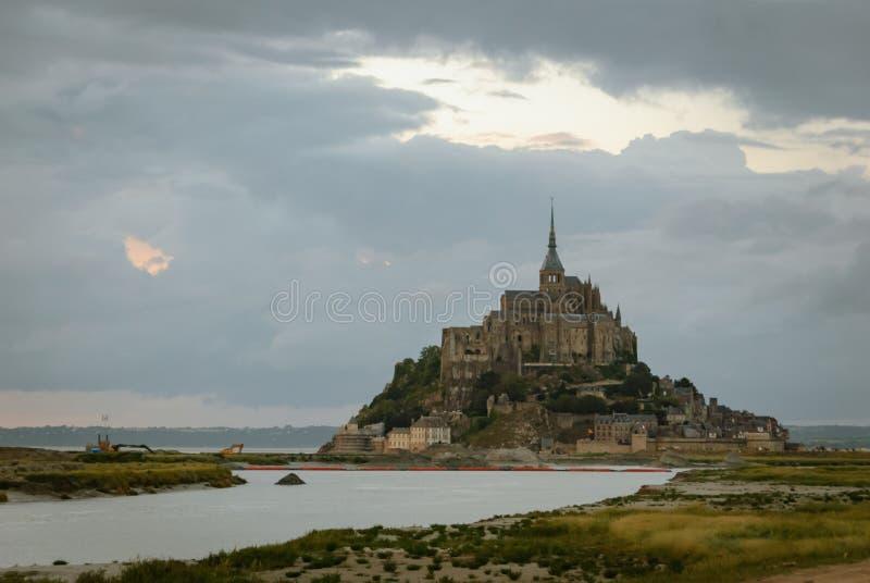 Opiniones Mont Saint Michel francia imagen de archivo