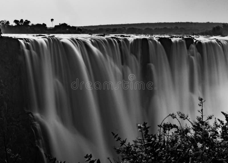 Opiniones Victoria Falls asombrosa imagen de archivo libre de regalías