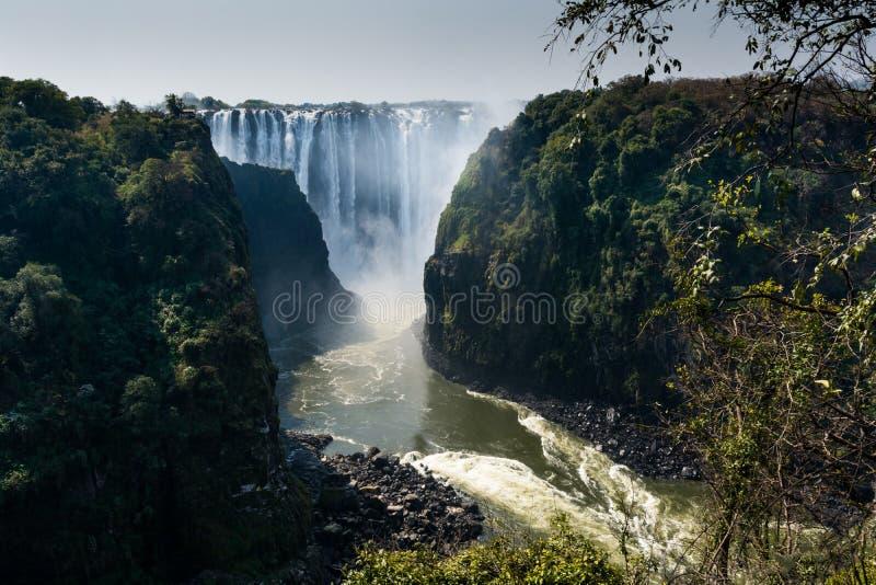 Opiniones Victoria Falls asombrosa foto de archivo libre de regalías