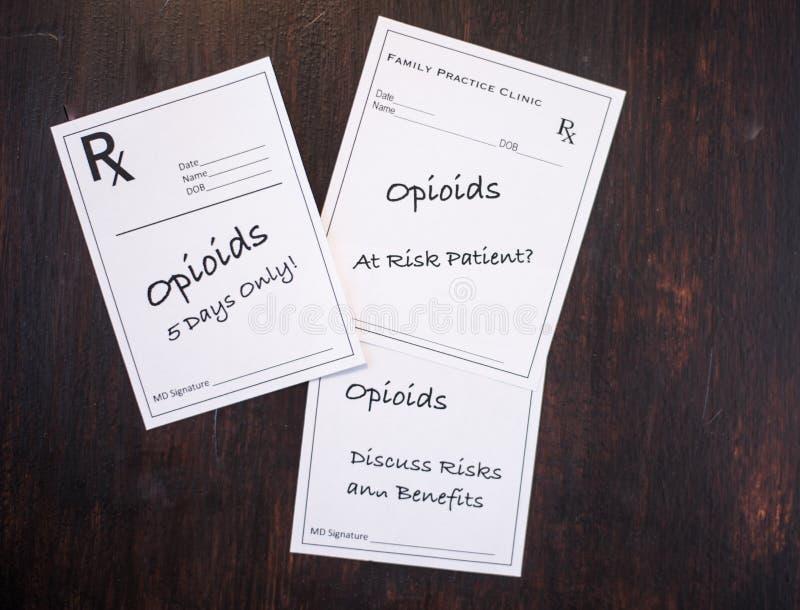 Opioid Voorschriften met het voorschrijven van waarschuwingen royalty-vrije stock afbeeldingen
