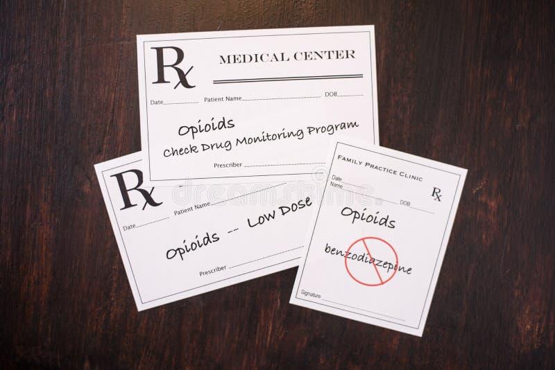 Opioid Voorschriften met het voorschrijven van waarschuwingen NEF stock afbeeldingen