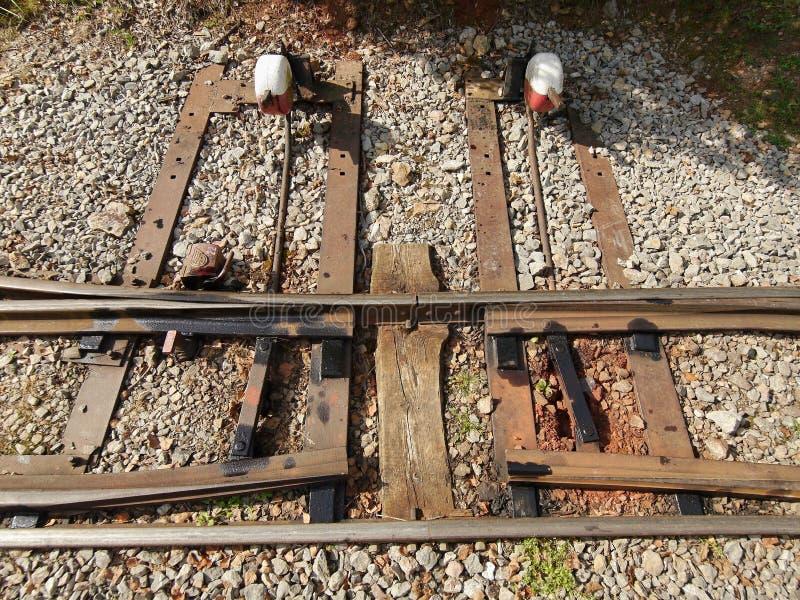 Opkomsten op het spoor stock foto's