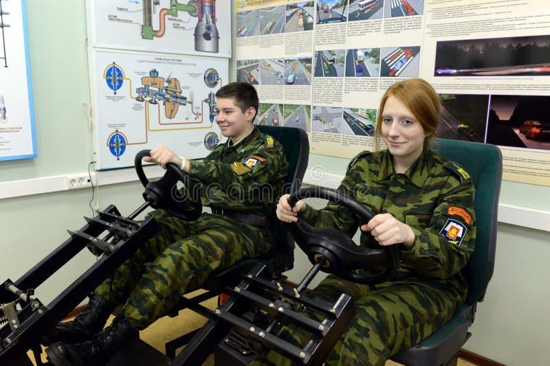 Opleiding bij simulator het drijven in de kadetkorpsen van de politie royalty-vrije stock afbeeldingen