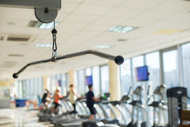Opleidingsapparaten in gymnastiekzaal stock foto