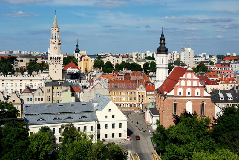 Opole, Polen: Stadt-Panorama lizenzfreie stockfotos