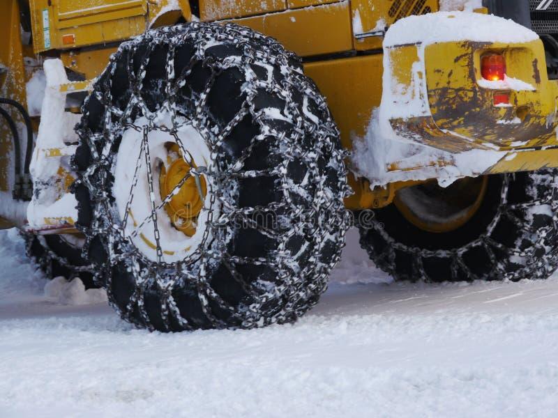 Opona śnieżny łańcuch obraz stock