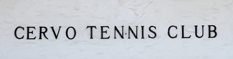 Oporto Cervo, Cerdeña, Italia - club de tenis imágenes de archivo libres de regalías