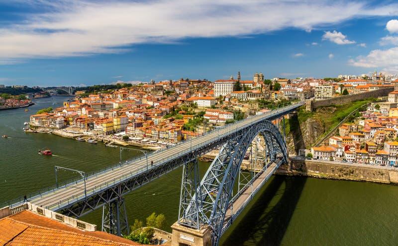 Oporto con Dom Luis Bridge fotografia stock libera da diritti