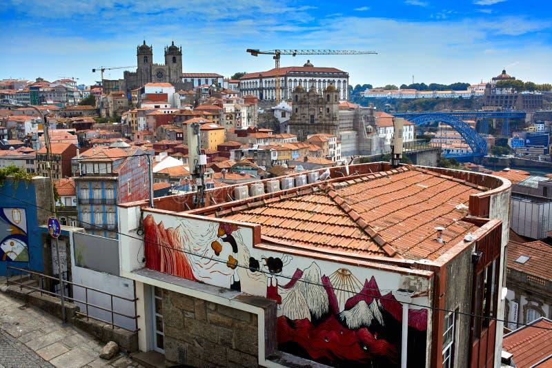 Oporto/Portogallo - 08 07 2017: Vista aerea delle vie di Oporto, Portogallo fotografie stock