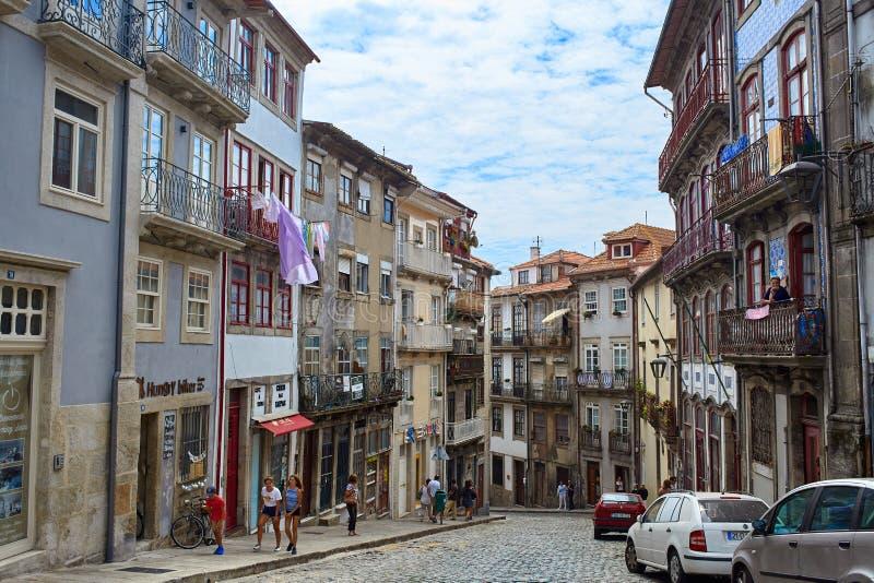 Oporto/Portogallo - 08 07 2017: Vista delle vie di Oporto, Portogallo fotografia stock libera da diritti