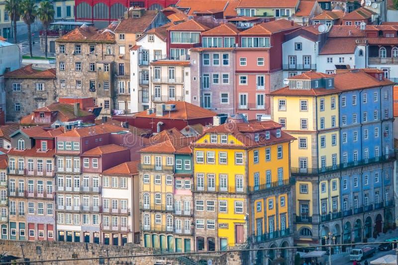 Oporto, segundo mayor ciudad en Portugal Localizado a lo largo del estuario del río del Duero en Portugal septentrional Su base h fotografía de archivo