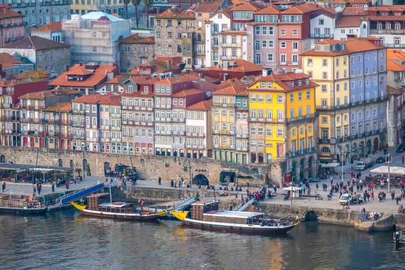 Oporto, segundo mayor ciudad en Portugal Localizado a lo largo del estuario del río del Duero en Portugal septentrional Su base h fotos de archivo libres de regalías