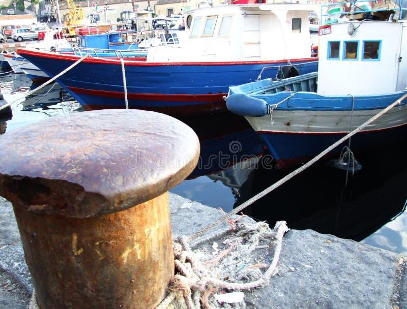 Oporto Ulíses-Ognina-Catania-Sicilia-Italia - campos comunes creativos por el gnuckx imagen de archivo