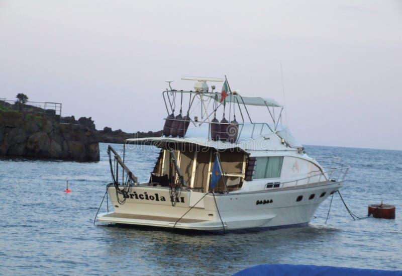 Oporto Ulisse Ognina Catania Sicilia-Italy - terreni comunali creativi da gnuckx immagini stock