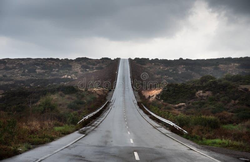 Opróżnia asfaltową autostrady drogę obrazy stock